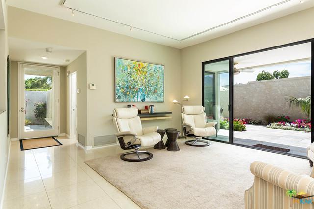 455 N Calle Rolph, Palm Springs, CA 92262 (MLS #19449798PS) :: Brad Schmett Real Estate Group