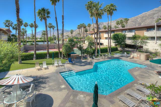 467 S Calle El Segundo D7, Palm Springs, CA 92262 (MLS #19450226PS) :: The Jelmberg Team