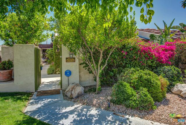 1456 E Andreas Road, Palm Springs, CA 92262 (MLS #19450690PS) :: The Jelmberg Team
