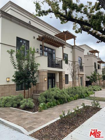 288 S Oakland Avenue #107, Pasadena, CA 91101 (MLS #19453752) :: Hacienda Group Inc