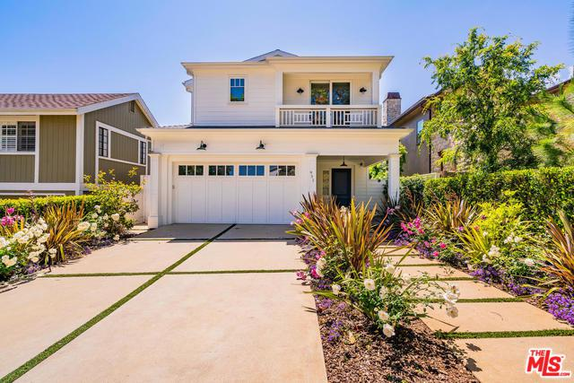 951 Fiske Street, Pacific Palisades, CA 90272 (MLS #19456826) :: The Jelmberg Team