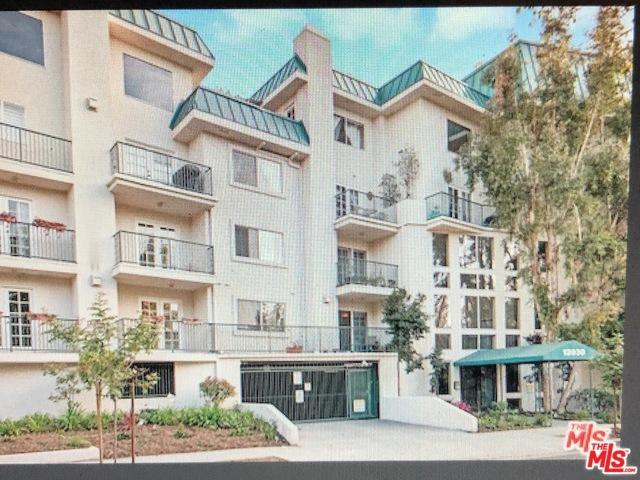 13030 Valleyheart Drive #108, Studio City, CA 91604 (MLS #19457066) :: The John Jay Group - Bennion Deville Homes