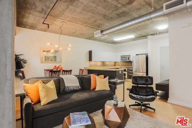 645 W 9th Street #541, Los Angeles (City), CA 90015 (MLS #19457322) :: The John Jay Group - Bennion Deville Homes