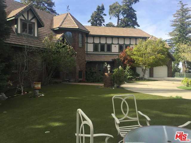 621 Cumberland Drive, Lake Arrowhead, CA 92352 (MLS #19459226) :: The John Jay Group - Bennion Deville Homes