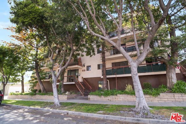 619 E Elmwood Avenue H, Burbank, CA 91501 (MLS #19459952) :: Deirdre Coit and Associates