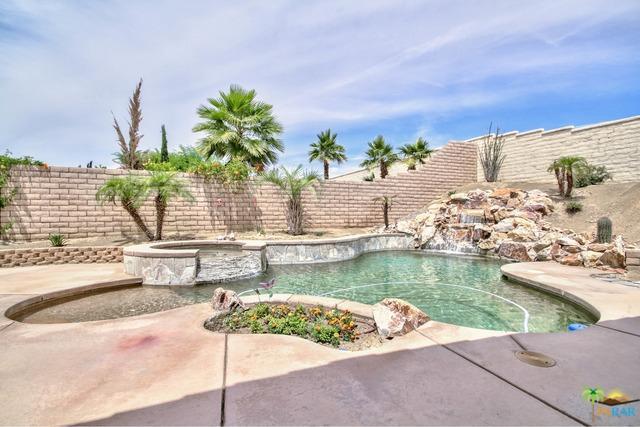 111 Fresco Lane, Palm Desert, CA 92211 (MLS #19462564PS) :: The John Jay Group - Bennion Deville Homes