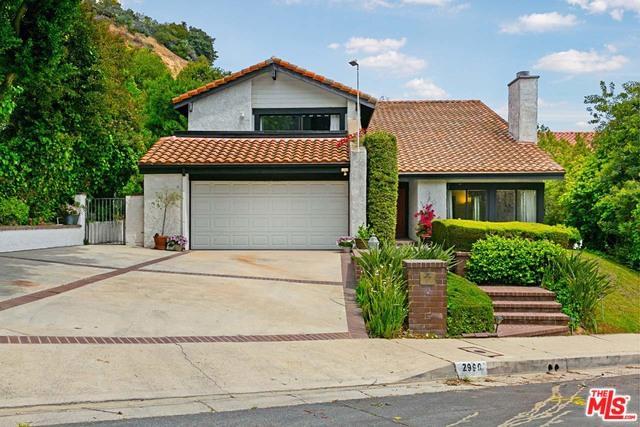 2990 Tiffany Circle, Los Angeles (City), CA 90077 (MLS #19463098) :: Deirdre Coit and Associates