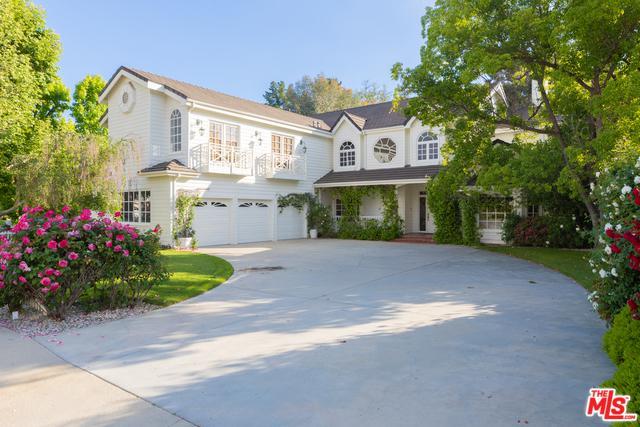 4249 Tarzana Estates Drive, Tarzana, CA 91356 (MLS #19464068) :: The Jelmberg Team