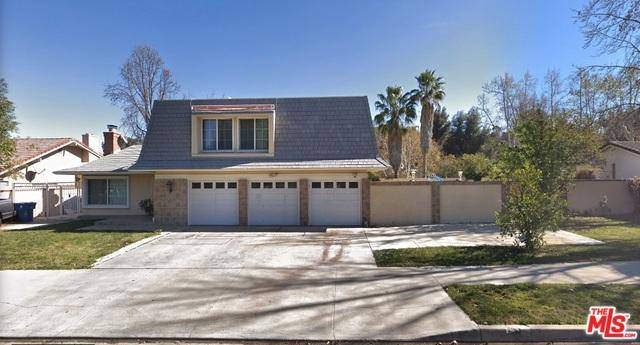 4526 Azalia Drive, Tarzana, CA 91356 (MLS #19464702) :: The Jelmberg Team