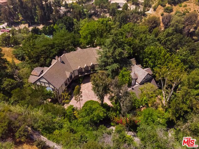 2781 Benedict Canyon Drive, Beverly Hills, CA 90210 (MLS #19464716) :: Hacienda Group Inc