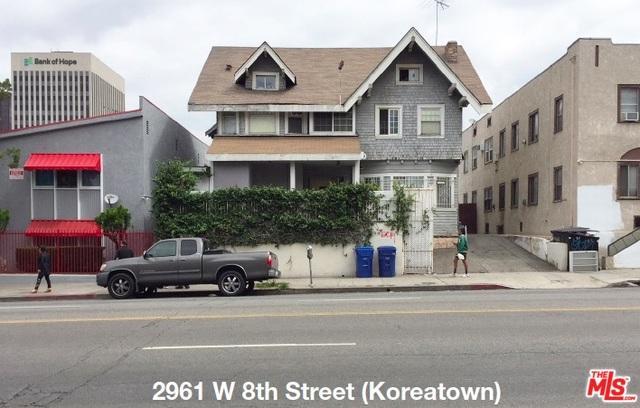 2961 W 8th Street, Los Angeles (City), CA 90005 (MLS #19464884) :: Deirdre Coit and Associates