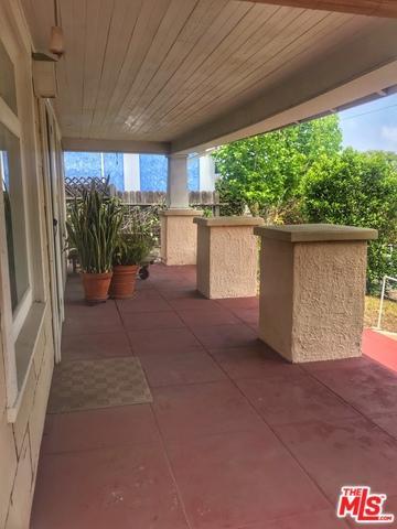 2714 Highland Avenue, Santa Monica, CA 90405 (MLS #19465584) :: The Jelmberg Team