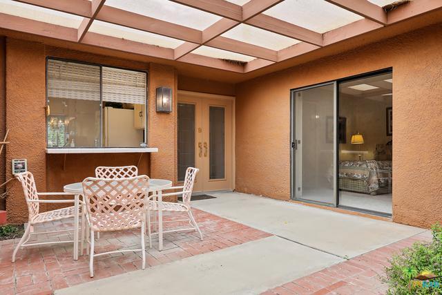 147 La Cerra Drive, Rancho Mirage, CA 92270 (MLS #19465634PS) :: The Jelmberg Team