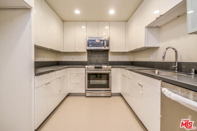 105 S Mariposa Avenue #206, Los Angeles (City), CA 90004 (MLS #19466232) :: Deirdre Coit and Associates