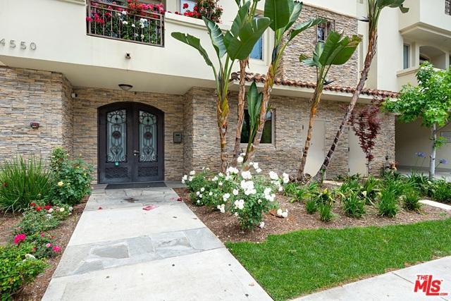 4550 Coldwater Canyon Avenue #104, Studio City, CA 91604 (MLS #19466308) :: The Jelmberg Team