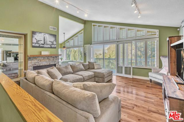 5217 Marmol Drive, Woodland Hills, CA 91364 (MLS #19466426) :: Hacienda Group Inc