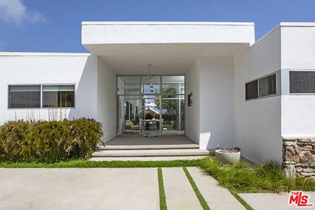 16693 Charmel Lane, Pacific Palisades, CA 90272 (MLS #19466750) :: Hacienda Group Inc