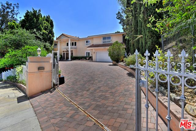 16720 Encino Hills Drive, Encino, CA 91436 (MLS #19467086) :: The Jelmberg Team