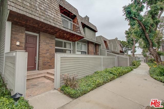 4318 Glencoe Avenue #7, Marina Del Rey, CA 90292 (MLS #19467104) :: The Jelmberg Team