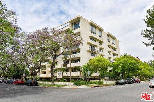 325 N Oakhurst Drive #202, Beverly Hills, CA 90210 (MLS #19467358) :: The Sandi Phillips Team