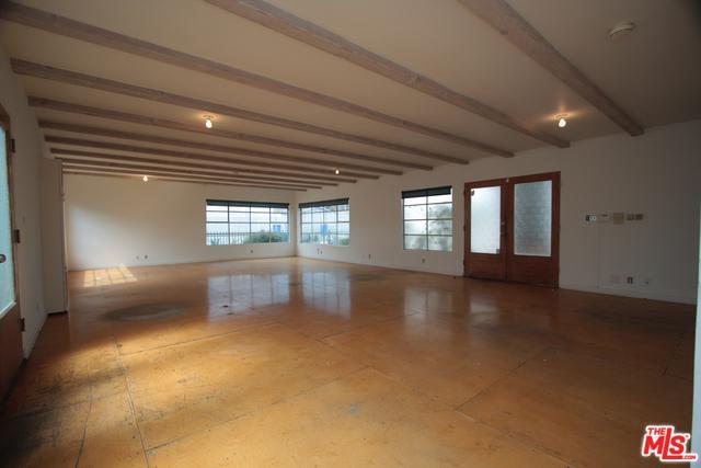 818 Hampton Drive #2, Venice, CA 90291 (MLS #19467452) :: Bennion Deville Homes