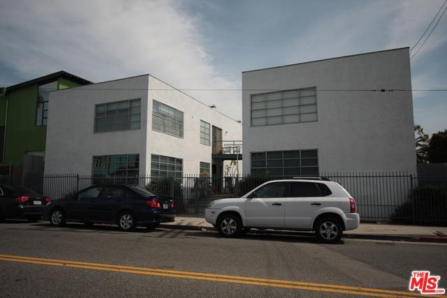 818 Hampton Drive #3, Venice, CA 90291 (MLS #19467496) :: Bennion Deville Homes