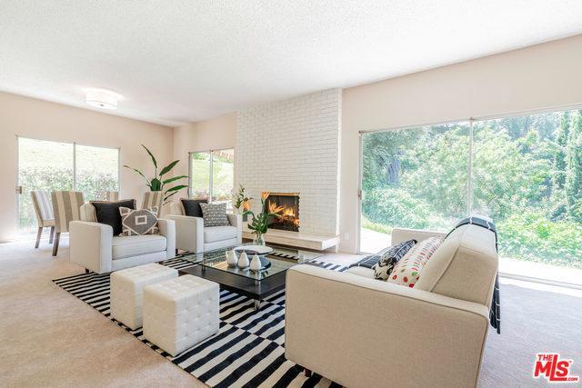 16142 Bayberry Place, Sherman Oaks, CA 91403 (MLS #19467884) :: The Jelmberg Team