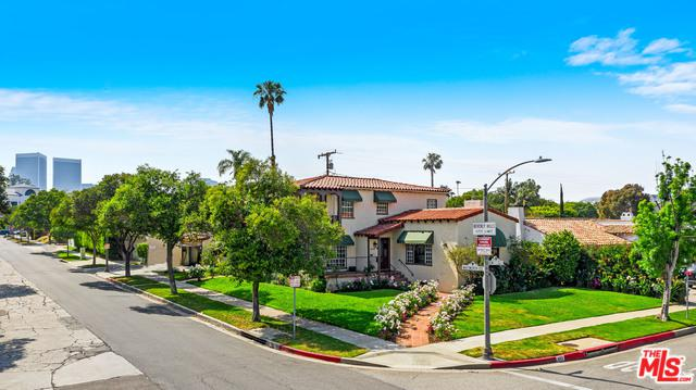 463 S Elm Drive, Beverly Hills, CA 90212 (MLS #19468014) :: The Jelmberg Team