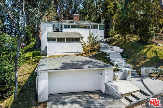 3132 Oakcrest Drive, Los Angeles (City), CA 90068 (MLS #19468034) :: The Jelmberg Team
