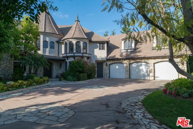 19203 Romar Street, Northridge, CA 91324 (MLS #19468042) :: The Jelmberg Team