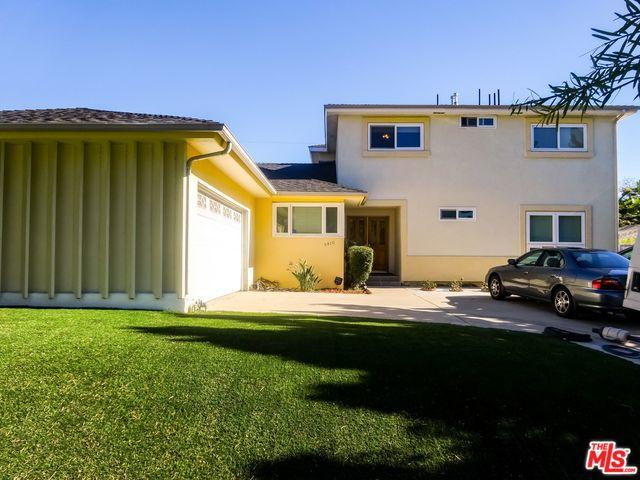 5810 Shenandoah Avenue, Los Angeles (City), CA 90056 (MLS #19468124) :: The Jelmberg Team