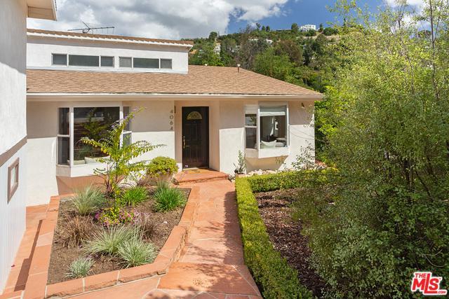 4064 Knobhill Drive, Sherman Oaks, CA 91403 (MLS #19468264) :: The Jelmberg Team