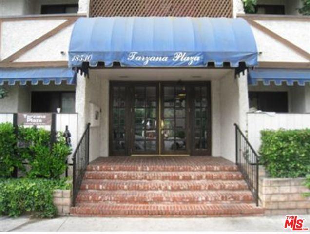 18530 Hatteras Street #302, Tarzana, CA 91356 (MLS #19468402) :: The Jelmberg Team
