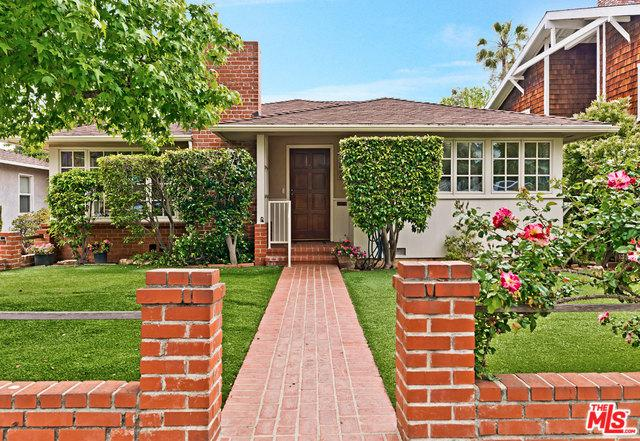 16030 Northfield Street, Pacific Palisades, CA 90272 (MLS #19468438) :: The Jelmberg Team