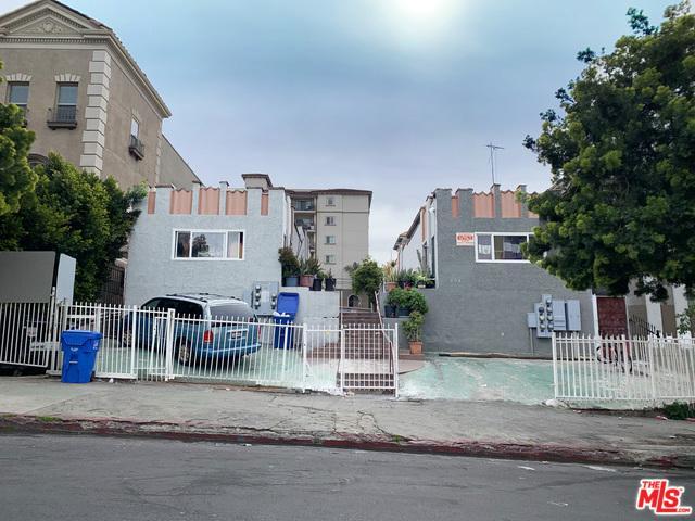 504 S Westlake Avenue, Los Angeles (City), CA 90057 (MLS #19468536) :: The Jelmberg Team