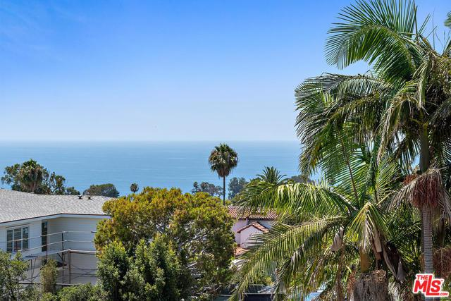 701 Lachman Lane, Pacific Palisades, CA 90272 (MLS #19468702) :: The Jelmberg Team