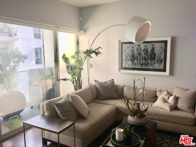 6735 Yucca Street #404, Los Angeles (City), CA 90028 (MLS #19468736) :: The Jelmberg Team