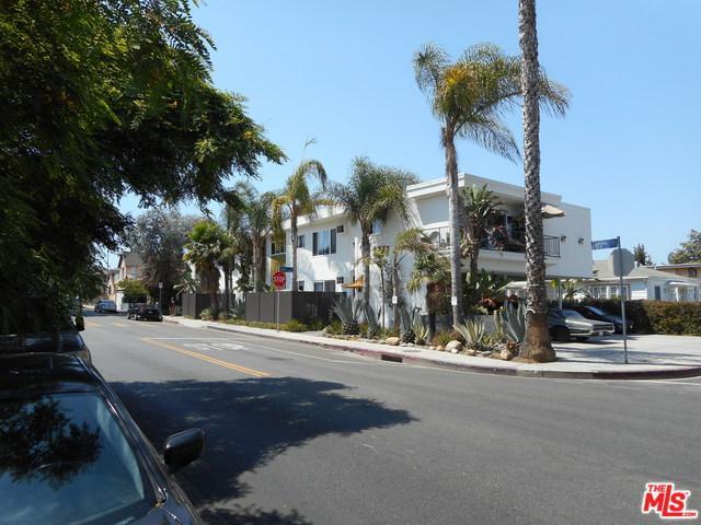 8777 Cadillac Avenue, Los Angeles (City), CA 90034 (MLS #19468848) :: The Jelmberg Team