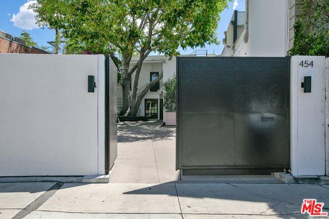 454 N Robertson, Los Angeles (City), CA 90048 (MLS #19468902) :: The John Jay Group - Bennion Deville Homes
