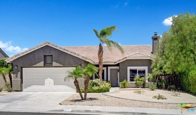 1548 Amelia Way, Palm Springs, CA 92262 (MLS #19469118PS) :: The Jelmberg Team