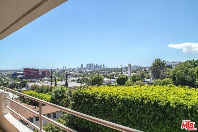 1131 Alta Loma Road #513, West Hollywood, CA 90069 (MLS #19469162) :: The John Jay Group - Bennion Deville Homes