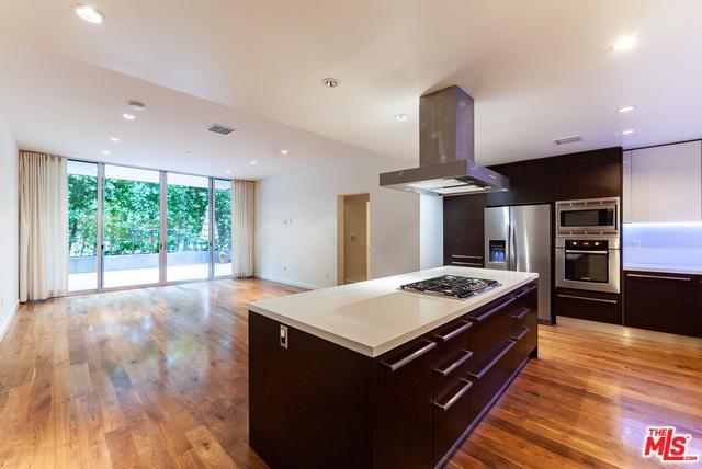 12504 Woodbridge Street #102, Studio City, CA 91604 (MLS #19469170) :: Bennion Deville Homes