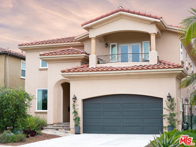 7974 W 79th Street, Playa Del Rey, CA 90293 (MLS #19469218) :: Bennion Deville Homes