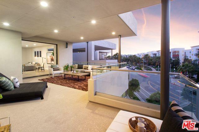 12636 Millennium Drive, Playa Vista, CA 90094 (MLS #19469380) :: The John Jay Group - Bennion Deville Homes