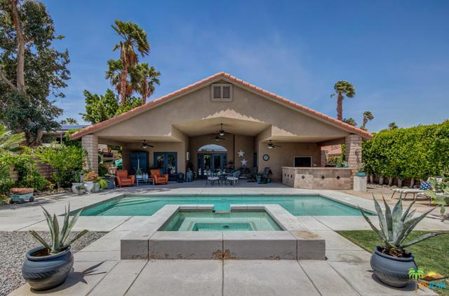68175 Tachevah Drive, Cathedral City, CA 92234 (MLS #19469734PS) :: The Jelmberg Team