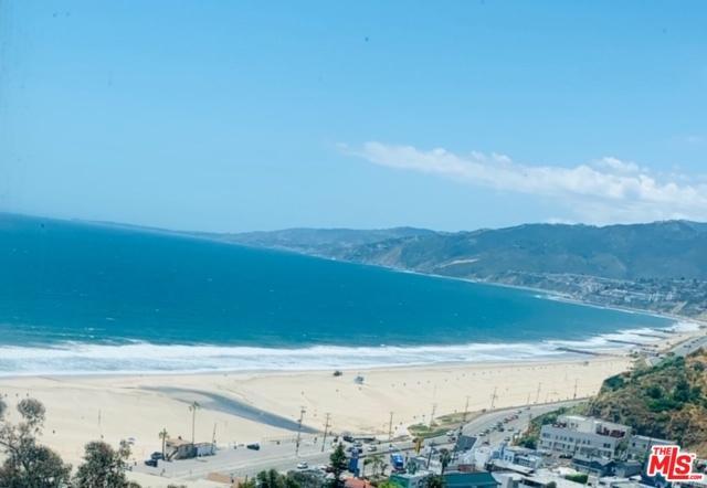 201 Ocean Avenue 806P, Santa Monica, CA 90402 (MLS #19469744) :: The Jelmberg Team