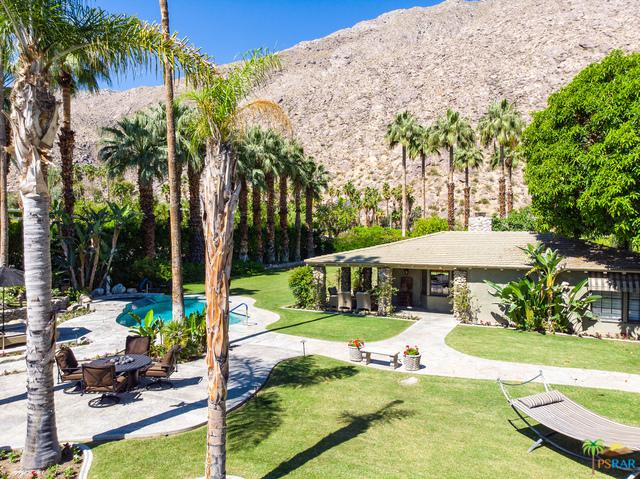 700 W Ramon Road, Palm Springs, CA 92264 (MLS #19470232PS) :: The Jelmberg Team