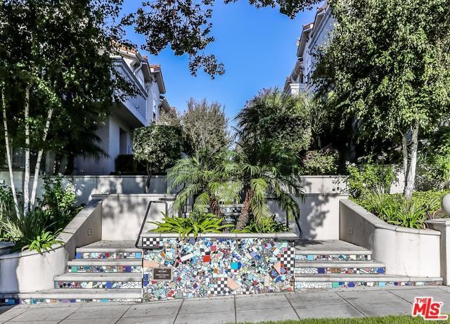 731 E Olive Avenue, Burbank, CA 91501 (MLS #19470430) :: The John Jay Group - Bennion Deville Homes