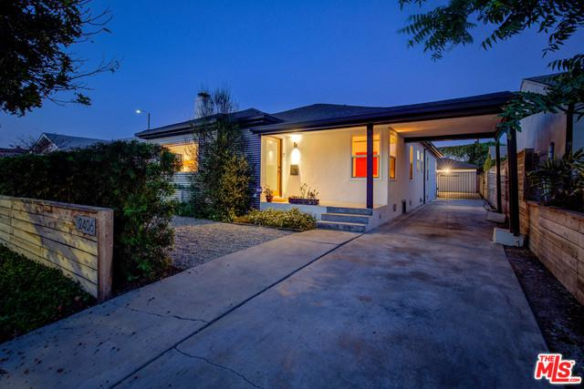 2406 Carmona Avenue, Los Angeles (City), CA 90016 (MLS #19473332) :: The Sandi Phillips Team