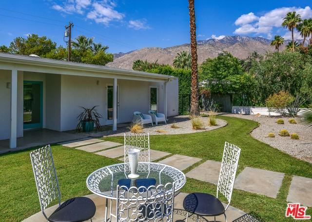 1075 E Olive Way, Palm Springs, CA 92262 (MLS #19473798) :: The Jelmberg Team
